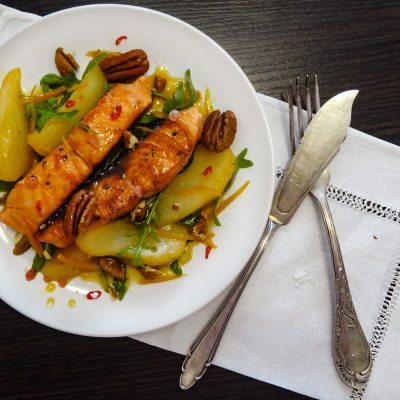 Лосось с грушей и орехом пекан (Salmon with Pear and Pecan)