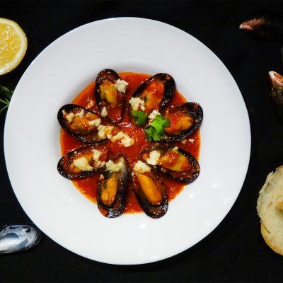 Мидии саганаки греческие (Mussels Saganaki)