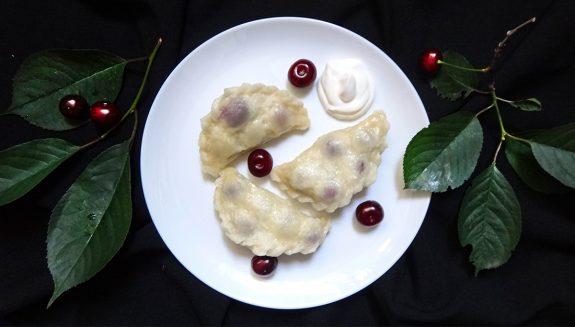 Вареники дрожжевые с вишней (Vareniki with Cherry)