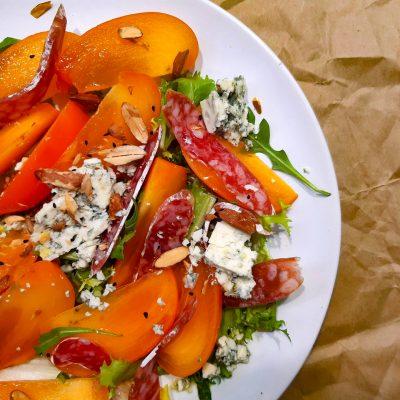 Салат с хурмой и голубым сыром (Persimmon and Blue Cheese Salad)
