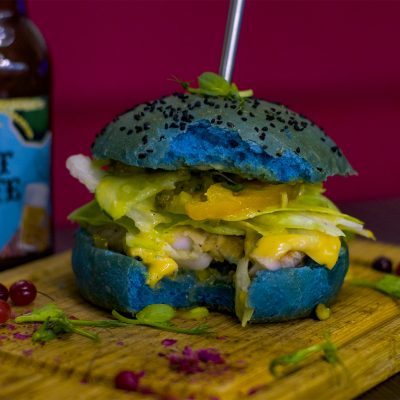 Синий бургер с морским окунем (Blue Burger with Sea Bass)