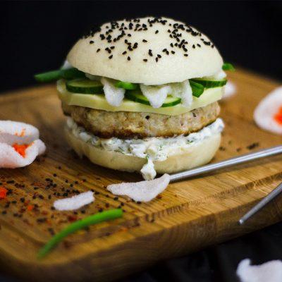 Белый бургер в азиатском стиле (Asian Style White Burger)